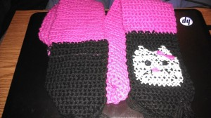 hello kitty crochet scarf