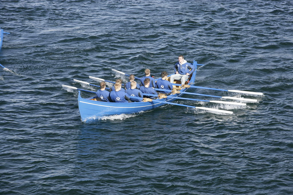 1280px-knorrur_a_faroese_rowing_boat_24_ft