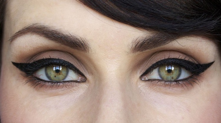 Eye Makeup Tips For Girls Who Wear Glasses
